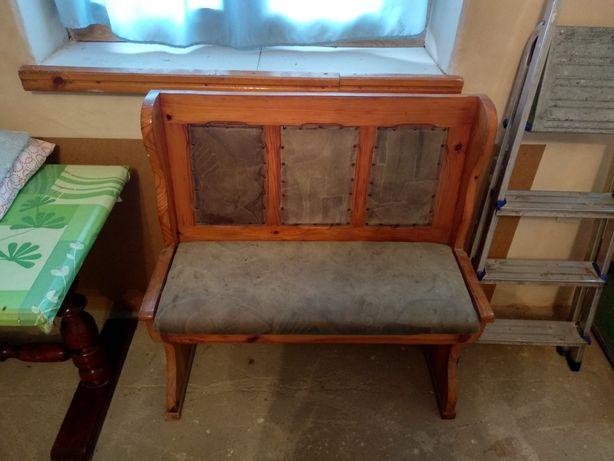 Ławki sosnowe ze schowkiem pod siedziskiem