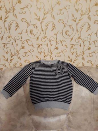Продам дитячий светер 3-4роки.