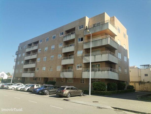 Apartamento T3 ao Candal próximo do Arrábida