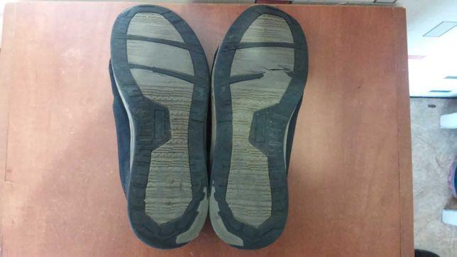 Продам кроссовки . Кросовки , размер 41 - 42 ( дешево )