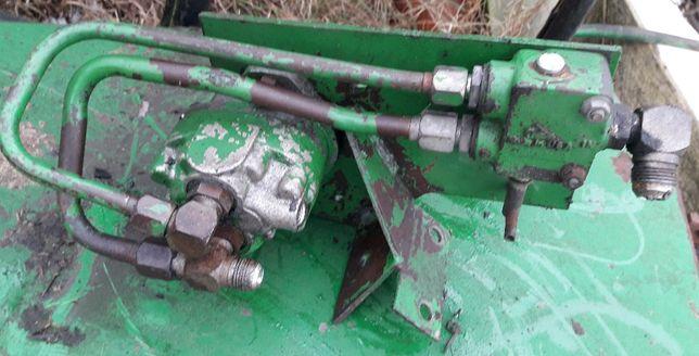 Silnik hydrauliczny z zaworem odcinającym