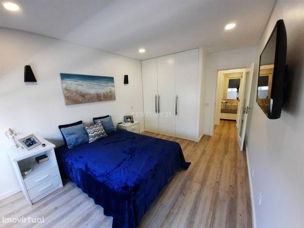 Apartamento T1 Centro da Costa da Caparica Prédio com elevador