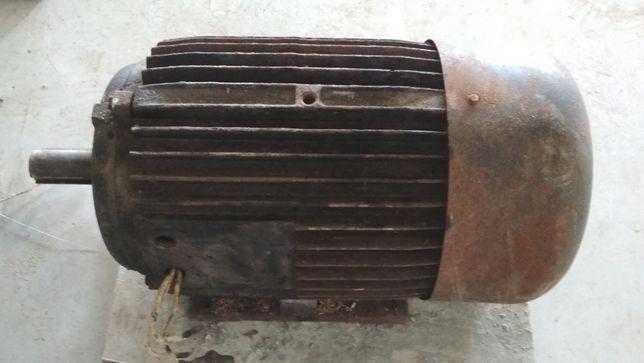 Електродвигун электродвигатель электромотор 30кВт 1460об