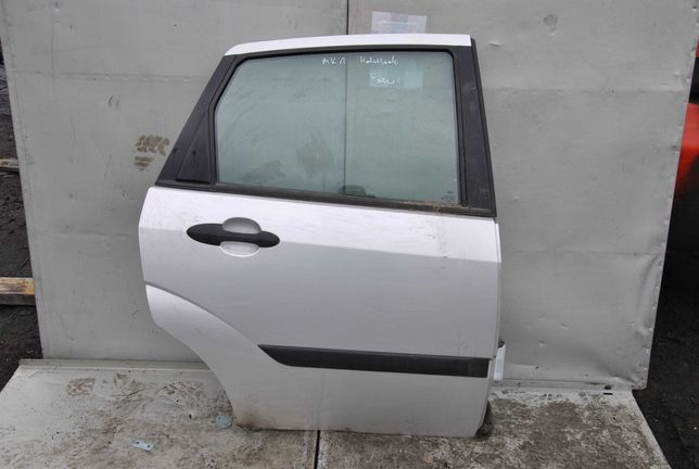 Drzwi prawy tył Ford Focus MK1 hb
