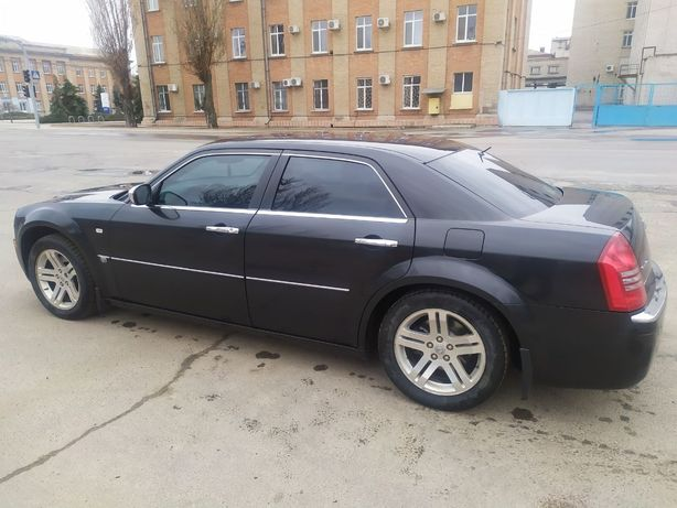 Продам обмен Chrysler 300c