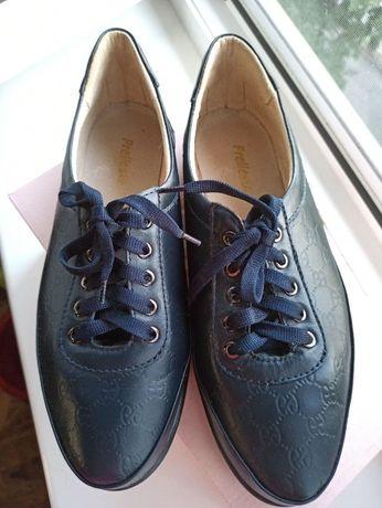 Мягкие кожаные туфли