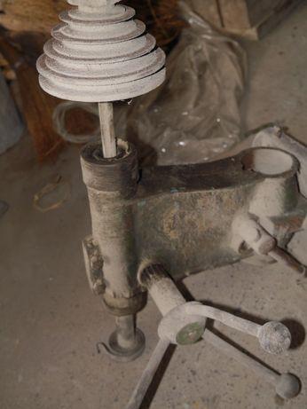 шпиндельная бабка сверлильного станка бабка