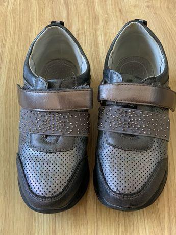Продам детские туфли-кроссовки