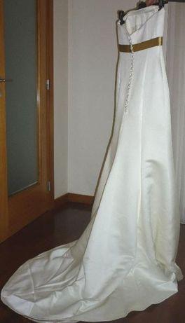 Vestido Noiva ótimo estado (lavado), estilo moderno, otimo preço
