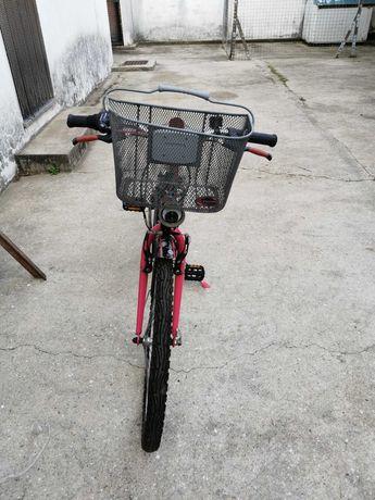 Bicicleta Roda 24 quase nova