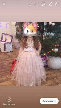 Нарядное детское платье на 5-7 лет на выпускной или утренник