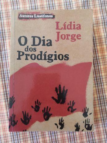 """Livro """"O dia dos prodígios"""""""