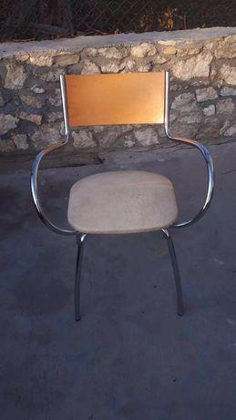 Krzesło niklowane z drewnem