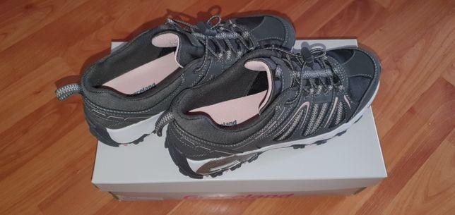 Sprzedam nowe buty sportowe damskie