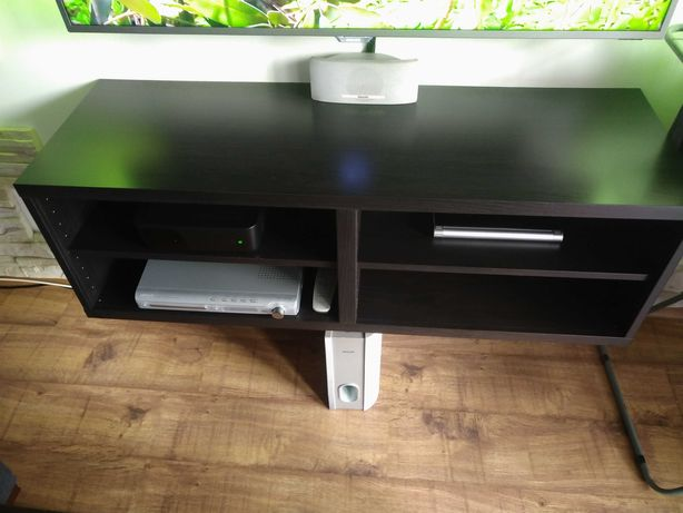 Półka pod telewizor z Ikea