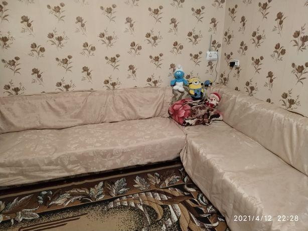 Уголок мягкий, диван, под подушками ниши