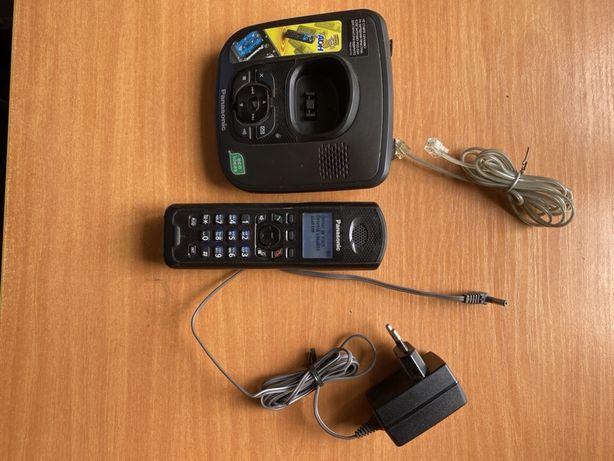 Радіотелефон стаціонарний з автовідповідачем Panasonic KX-TG6481UA