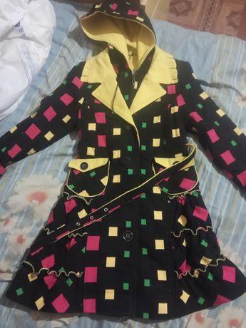 Продам детское пальто на девочку