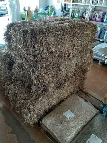 Palha, cereais, farinhas e granulado para animais