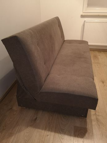 Sofa roczna 1.9x1.2 stan idealny