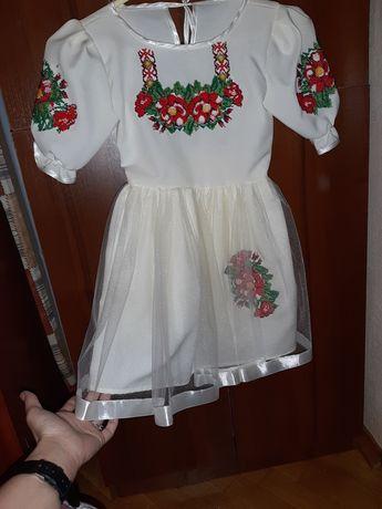 Вишите плаття на дiвчинку