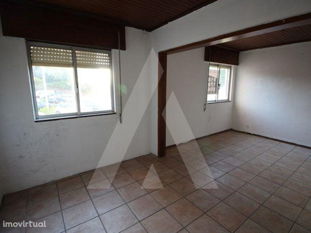 Apartamento T2 em Esgueira