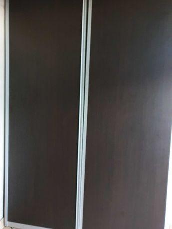 Drzwi do szafy lub podziału pomieszczenia