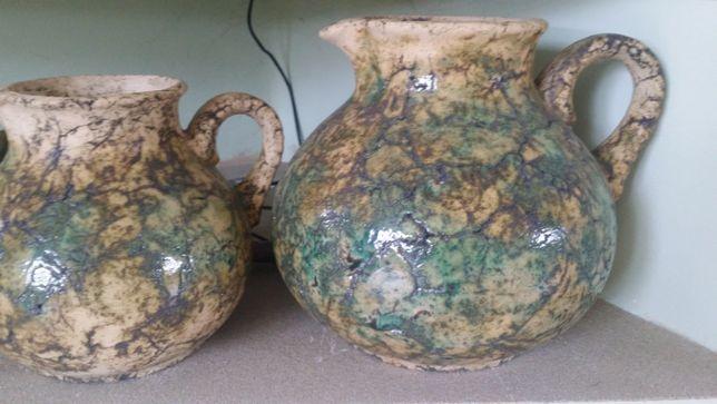 Ceramiczne dzbany zielone