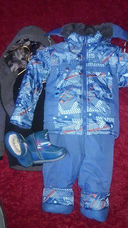 Комбінезон ,курточка і чобітки для хлопчика.