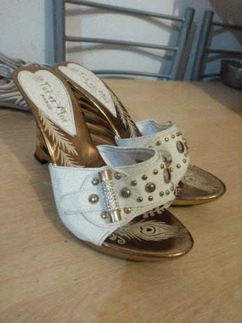 Cada par de sapatos,3€