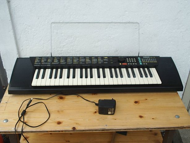 Keyboard Yamaha PSR-110 z osprzętem