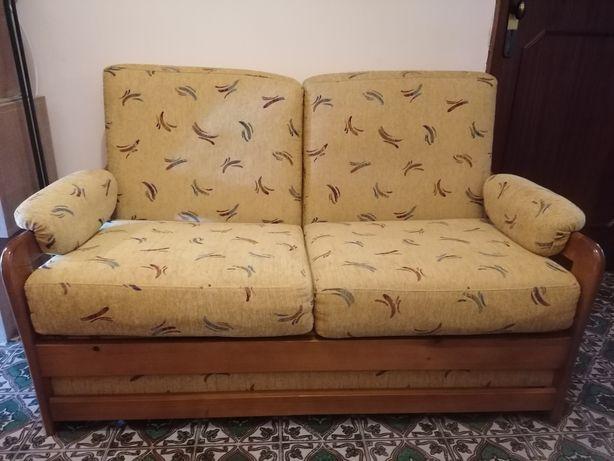 Sofá cama em madeira maciça