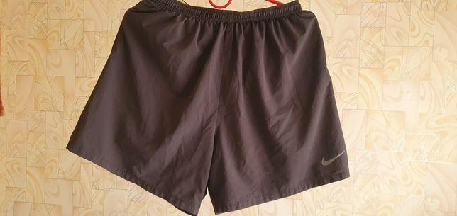 Шорты беговые Nike