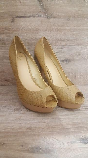 Beżowe szpilki / buty na obcasie nude roz 38 MANGO/ na wesele
