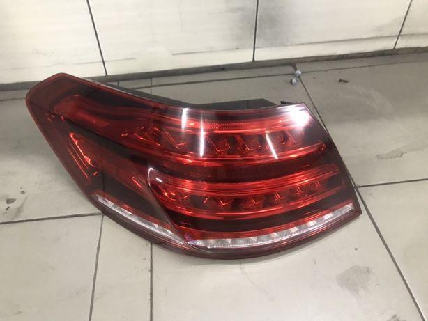 Mercedes w 212 рестайлінг задній фонарь лівий