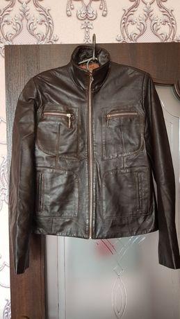 Шкіряна куртка , р  46-48, шкіра мягенька