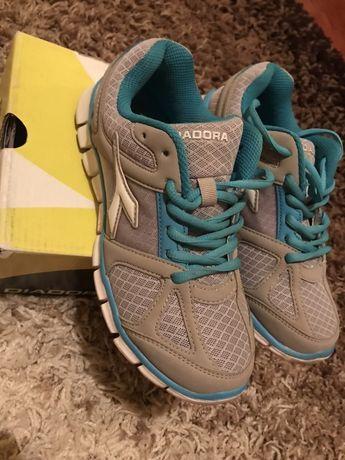 Жіночі кросівки кросовки 36
