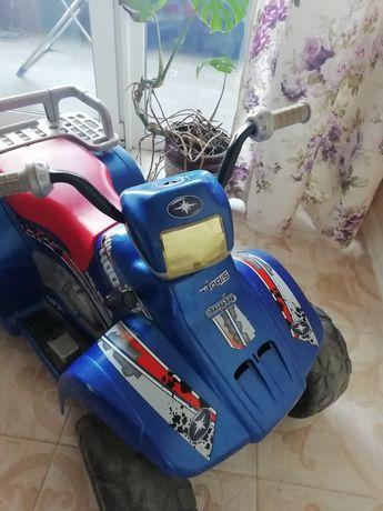 Квадроцикл на акумуляторі дитячийPeg Perego Polaris 400.