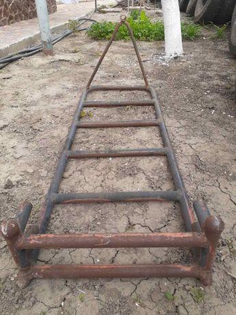 Лестница металлическая на кузов авто