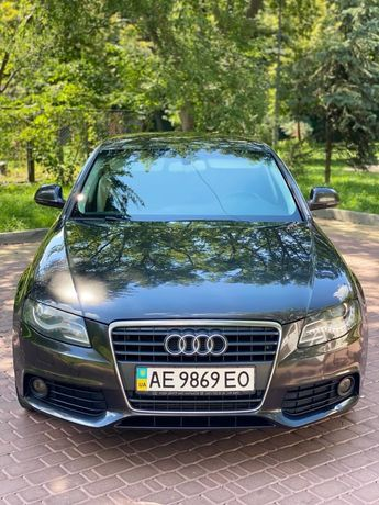 Audi A4 b8 1.8T official не крашен!