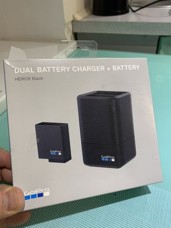 Зарядное устройство GoPro Dual Battery Charger HERO 5,6 (AADBD-001RU)