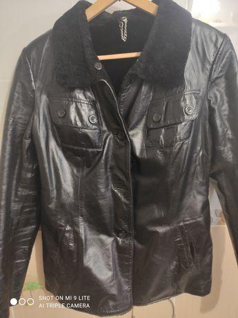 Кожаная куртка(размер М)