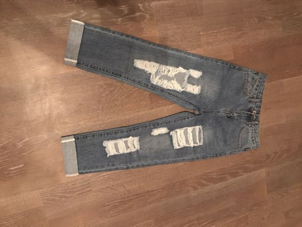 Рваные джинсы Shein с высокой талией