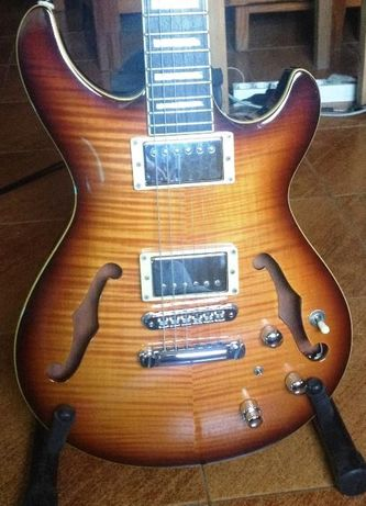 Guitarra eletrica Semi Hollow Body hybrid PIEZO Fishmann