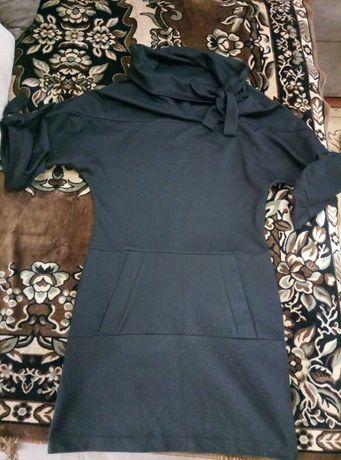 Теплі платья р 40-42