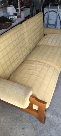 Sofá cama usado.