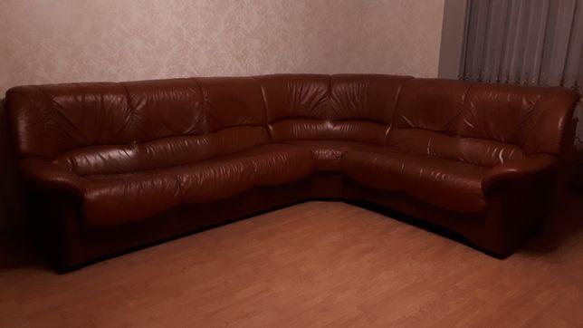 Большой диван для офиса и дома