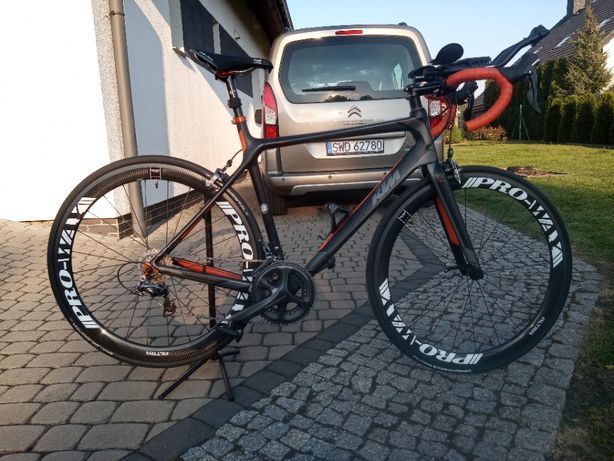 Rower szosowy KTM Revelator Elite 55 Carbon