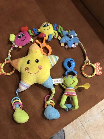 Іграшки для немовля у візочок