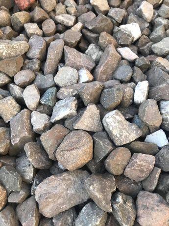 Kamień drogowy gruz betonowy kruszywo tłuczeń piasek siany i płukany